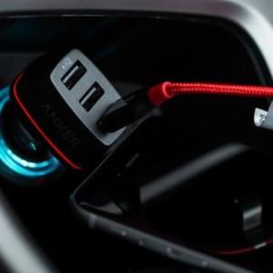 【心得分享】為車而生的Anker PowerDrive3車充